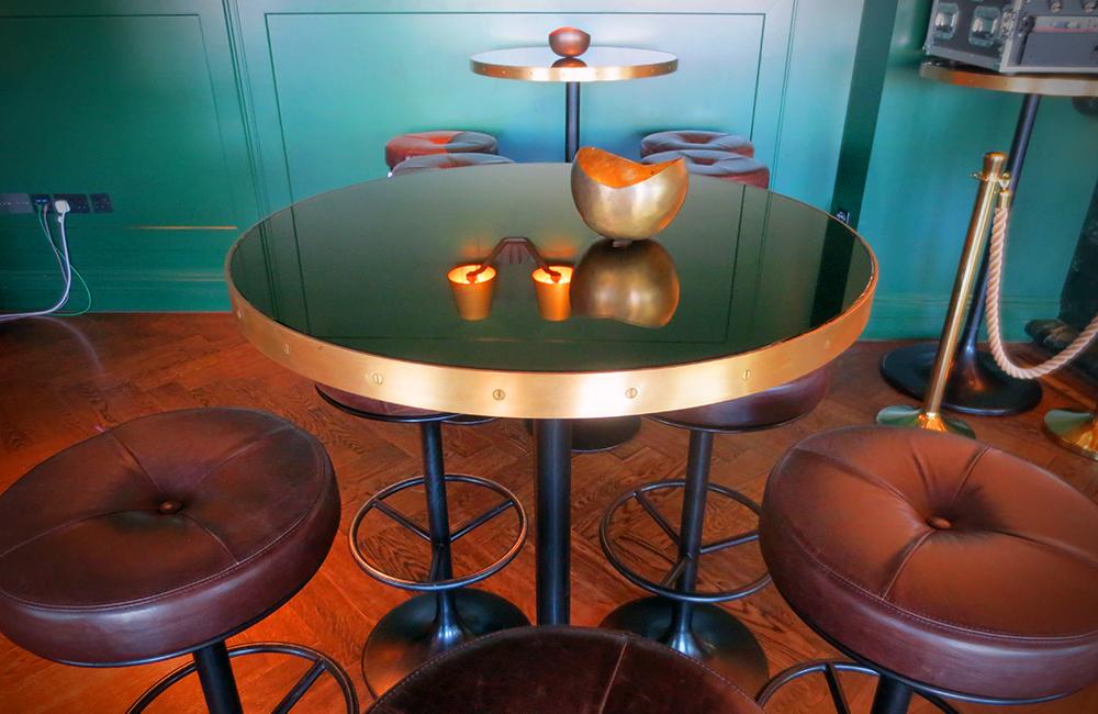 Custom Made - Poser Table